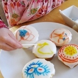 Drawing on Cupcakes